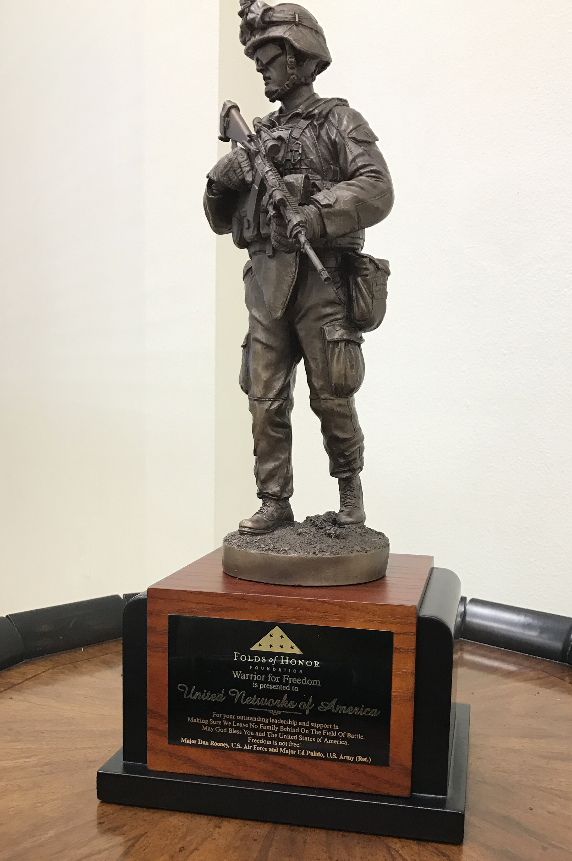 Warrior for Freedom Award presented to United Networks of America